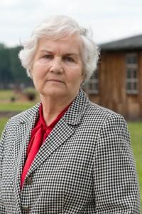 """Lidia Skibicka-Maksymowicz in der Gedenkstätte Auschwitz-Birkenau, 2014 für das Projekt """"KZ-überlebt"""" von Stefan Hanke"""
